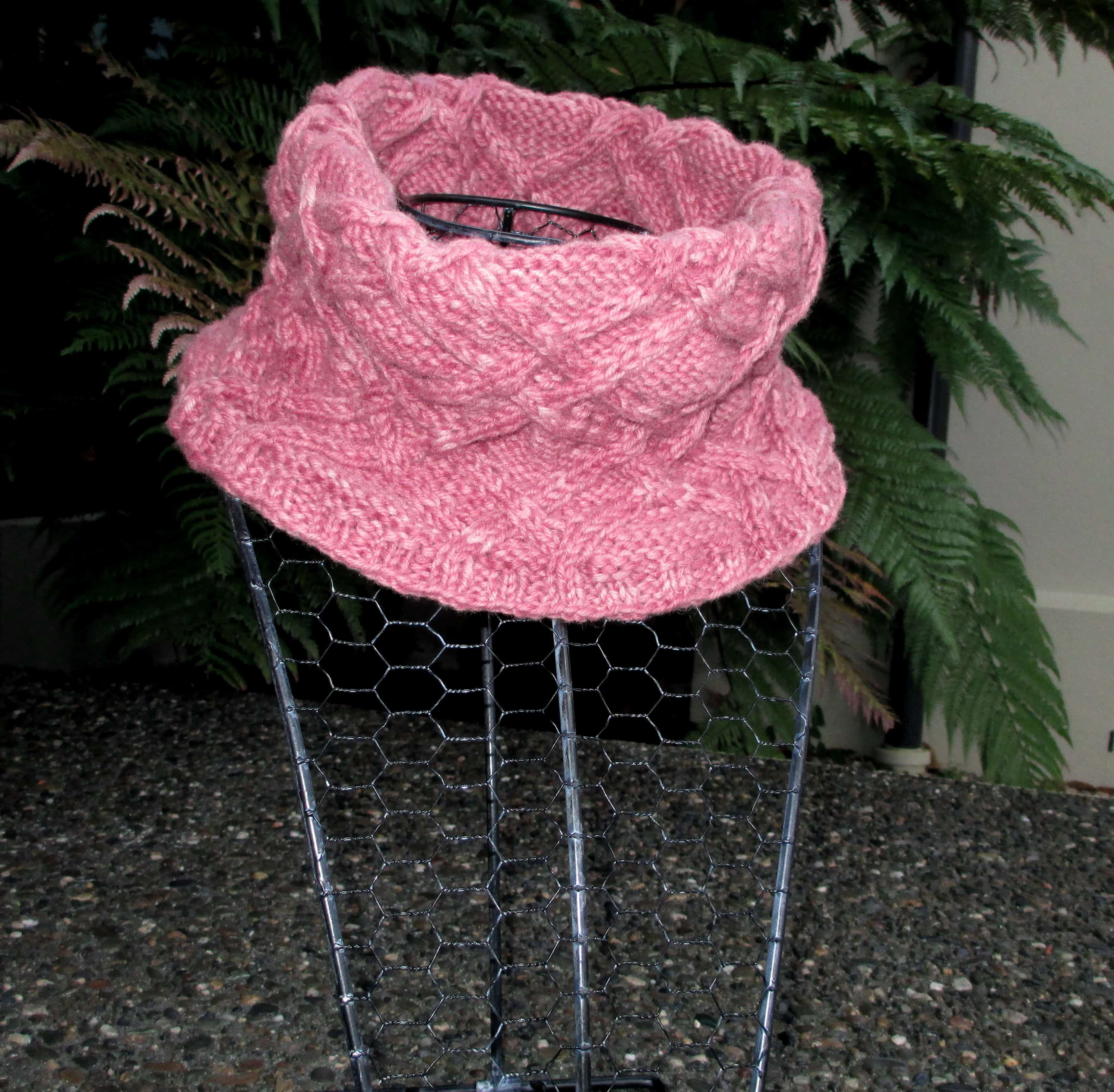 Pink cowl.3